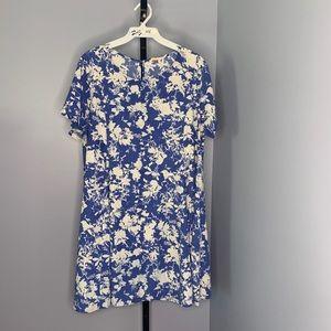 Lush floral shift dress